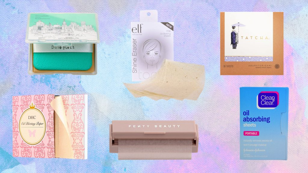 Blotting papers to absorb extra oil from the face and sweat-proof your makeup